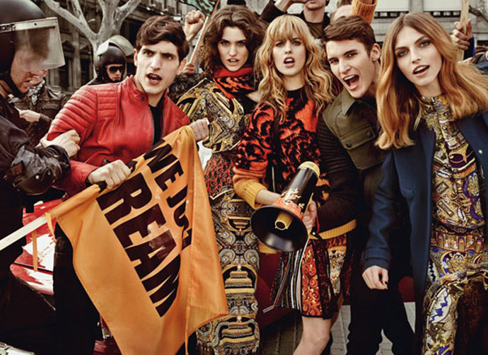Dominik Bauer, Rodolfo Zanforlini, Ben Hunter, Karlina Caune, Julia Frauche and Manon Leloup pentru Just Cavalli