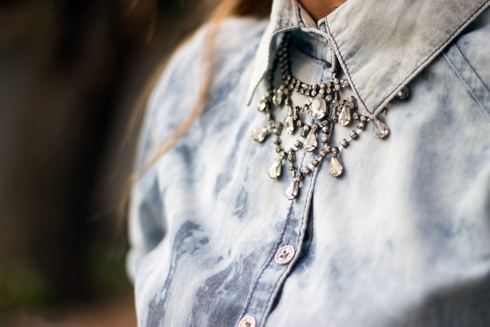 what-up-shorty-shirt-necklace-side