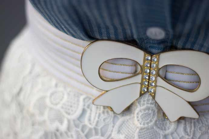 Jeans-and-lace-belt-detail