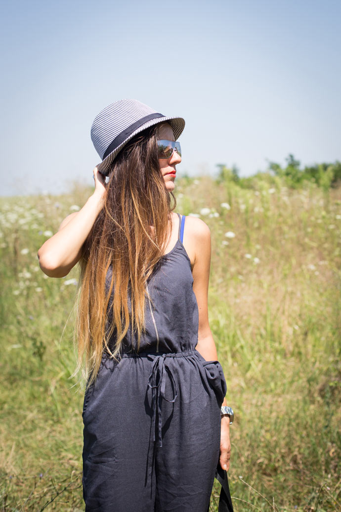 ootd-black-striped-hat-2