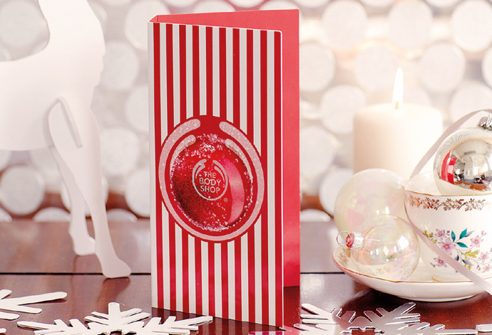 12-Deliver-Handfuls-of-Happiness-with-this-Winter-Wonderful-Frosted-Cranberry-Greeting-Card_INCHIPJ231