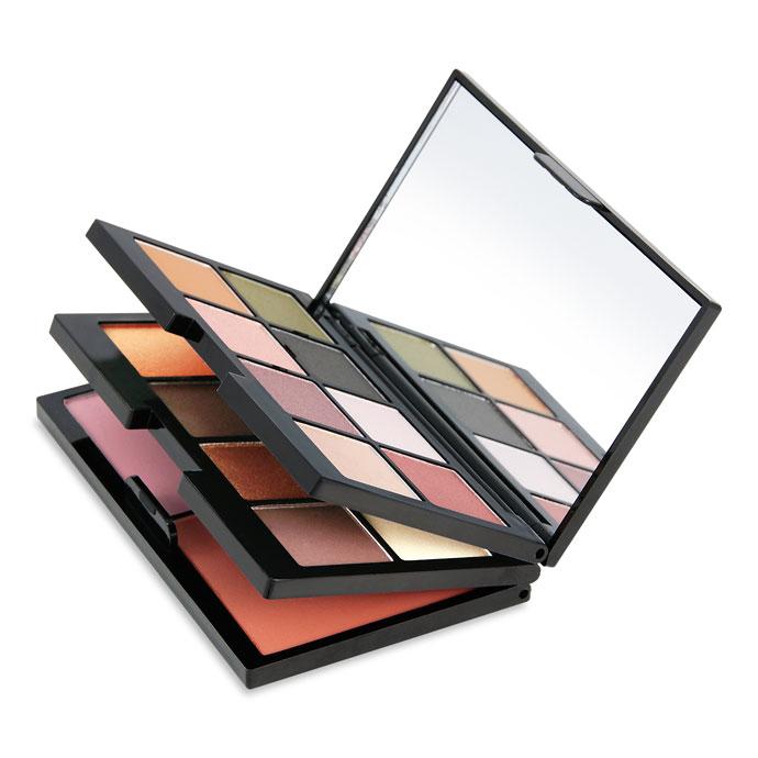 Paleta-cadou_-Contine_16-farduri-de-pleoape,-2-farduri-pentru-obraz,-oglinda